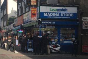 Teenage Armed Robber Arrested  By Armed Police In Dalston After Mobile Phone Theft