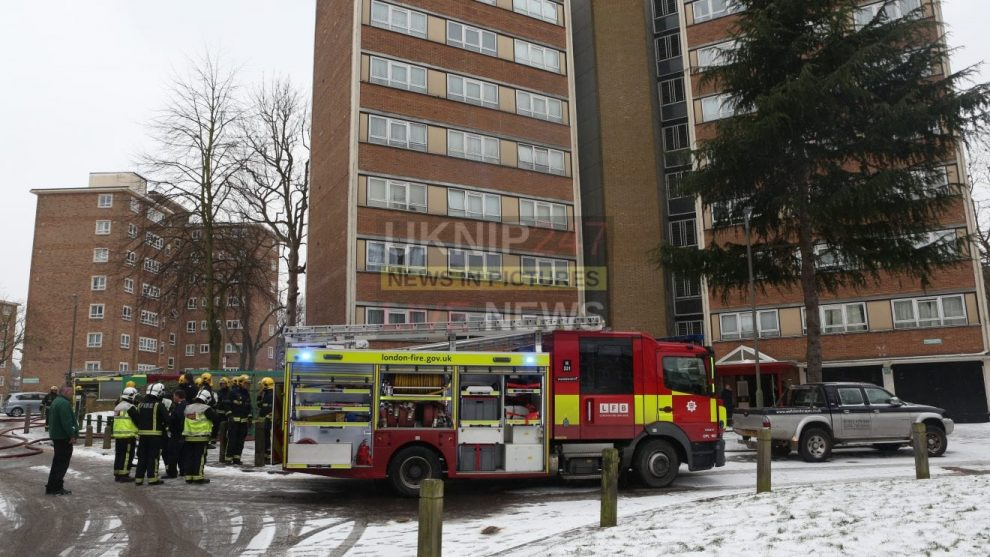 London Fire Crews Called To Wandsworth Flat Fire Woman Taken To Hospital