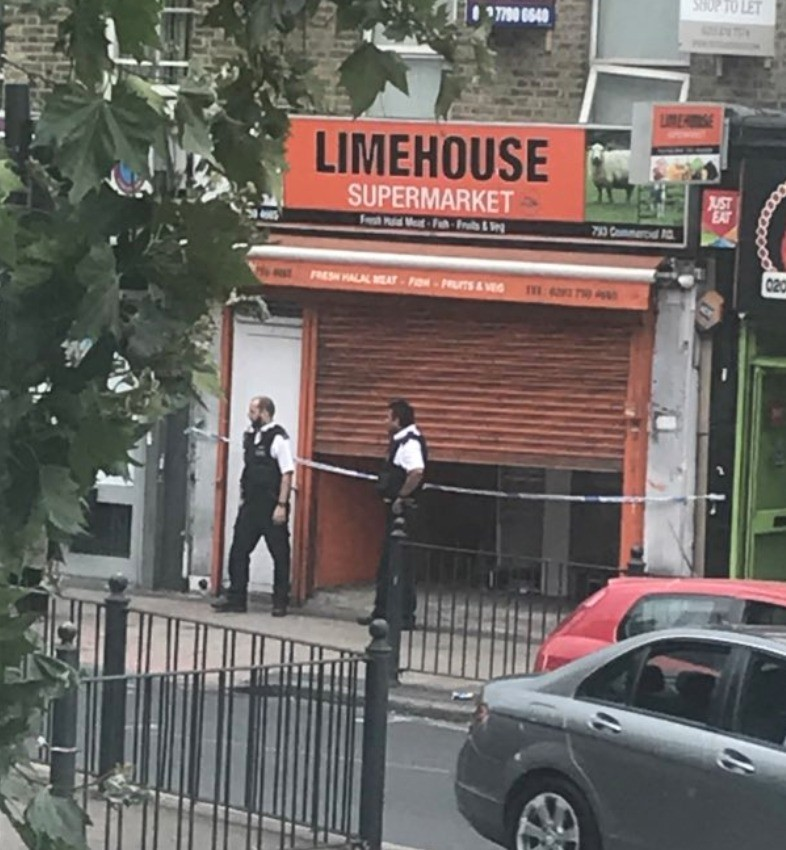 East London Supermarket On Lock Down By Police