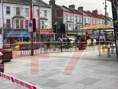 Stabbing In Walthamstow Man In His 20's Rushed To Hospitial