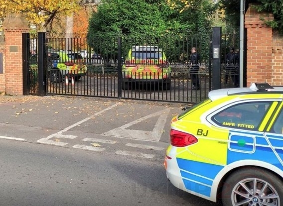 Armed Police Called To Man With A Gun In Morden